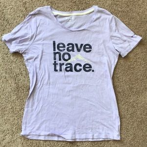 'leave no trace' Columbia T-Shirt